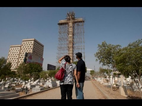 "GIANT CROSS built in Pakistan ""after Man dreamt GOD told him to build it."""